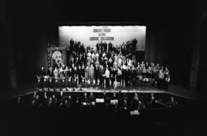 Bruce Forsyth on stage with 147 members of the Sunday Night at the London Palladium team