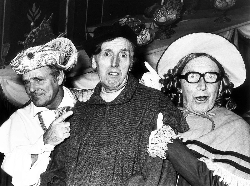 Arthur Askey in panto with Dickie Henderson and Cardew Robinson