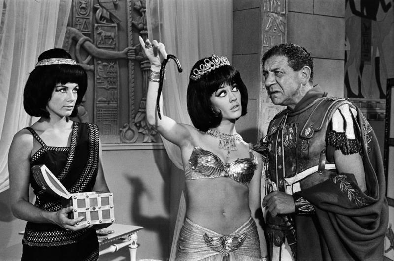 Amanda Barrie and Sid James on the set of Carry on Cleo