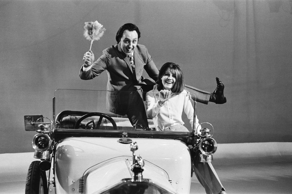 Sandie Shaw and Ken Dodd appear on the ABC Television Show 'Doddy's Music Box