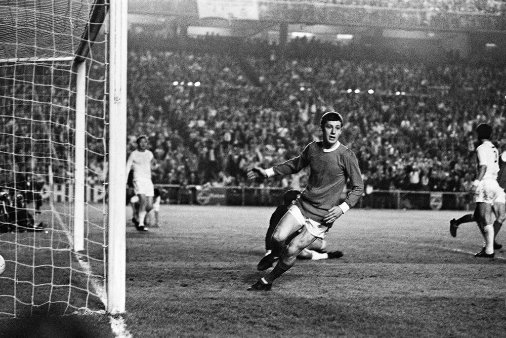 Joy for Brian Kidd after Bill Foulkes scores for United against Real Madrid
