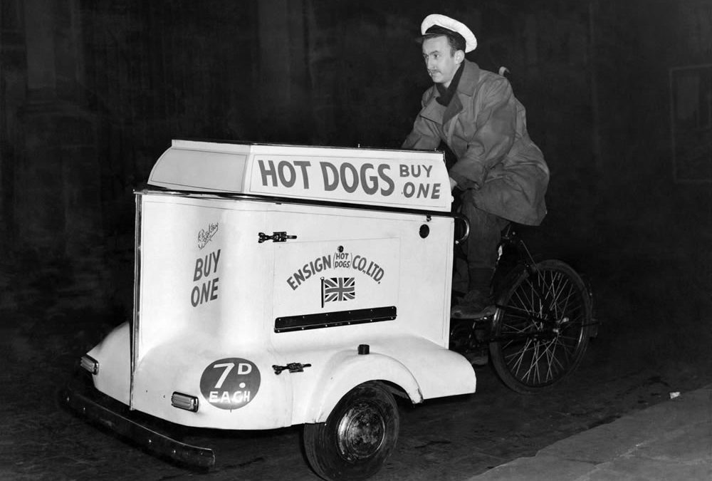 Bits & Pieces – Hot Dogs Arrive on Manchester Streets