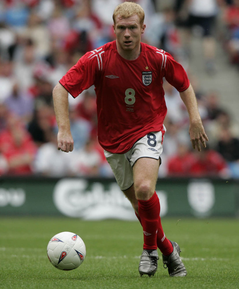Paul Scholes playing for England in the 6-1 win against Iceland at the City of Manchester Stadium, June 2004