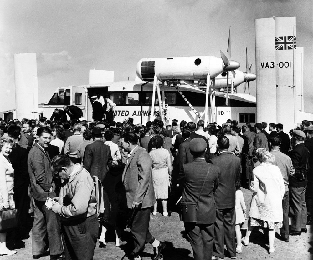 The Vickers VA3 hovercraft draws a big crowd as it prepares to make its maiden crossing from Leasowe to Rhyl, July 1962
