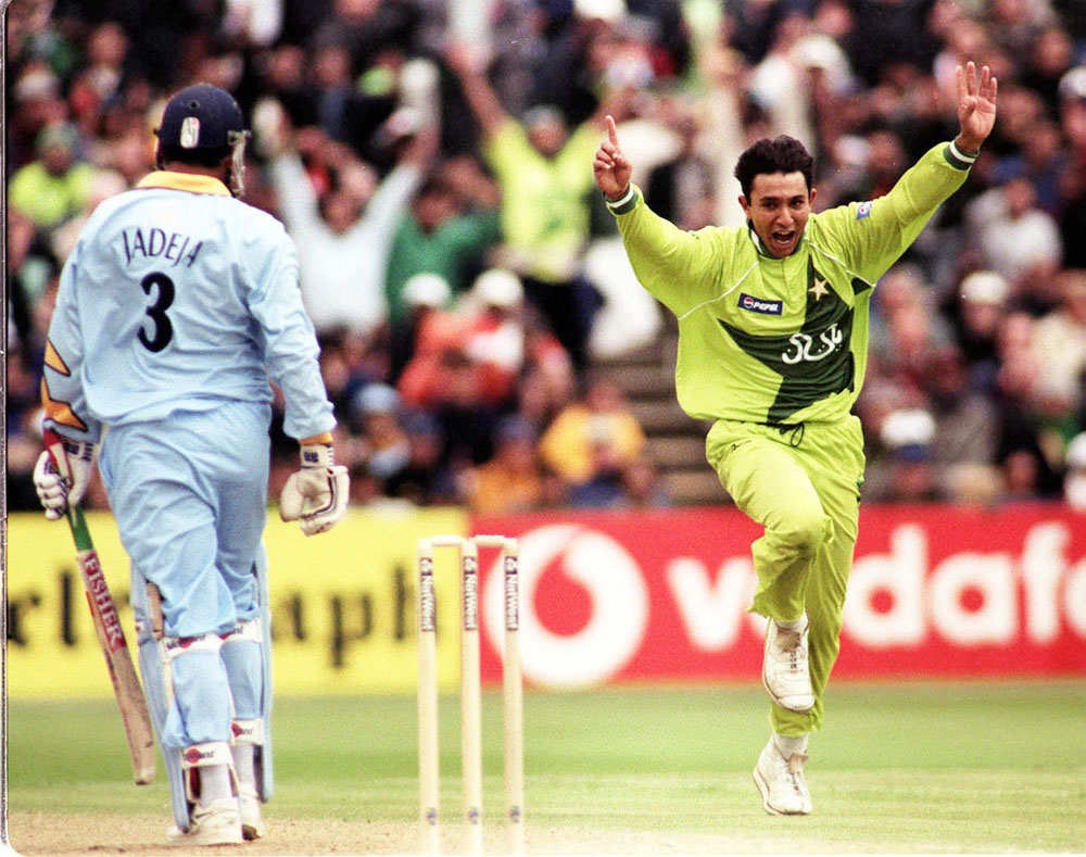 Azhar Mahmood celebrates Pakistan's win against India in the World Cup at Old Trafford, June 1999