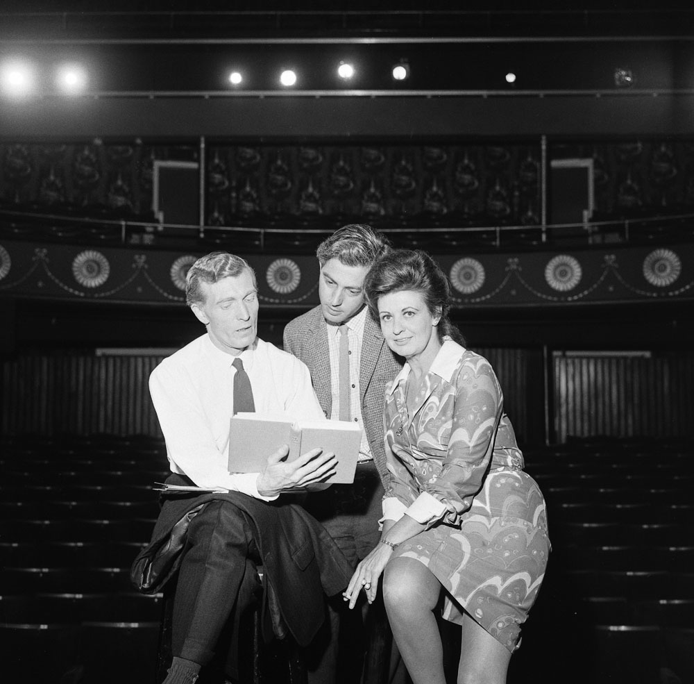 Pat Phoenix (Elsie Tanner) rehearsing at the Oldham Coliseum with director Carl Paulsen, July 1968