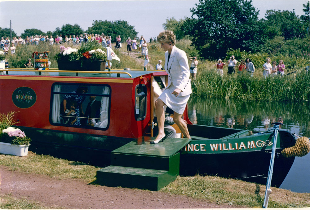 The aptly named Altrincham narrowboat Prince William receives a Royal visitor, July 1992