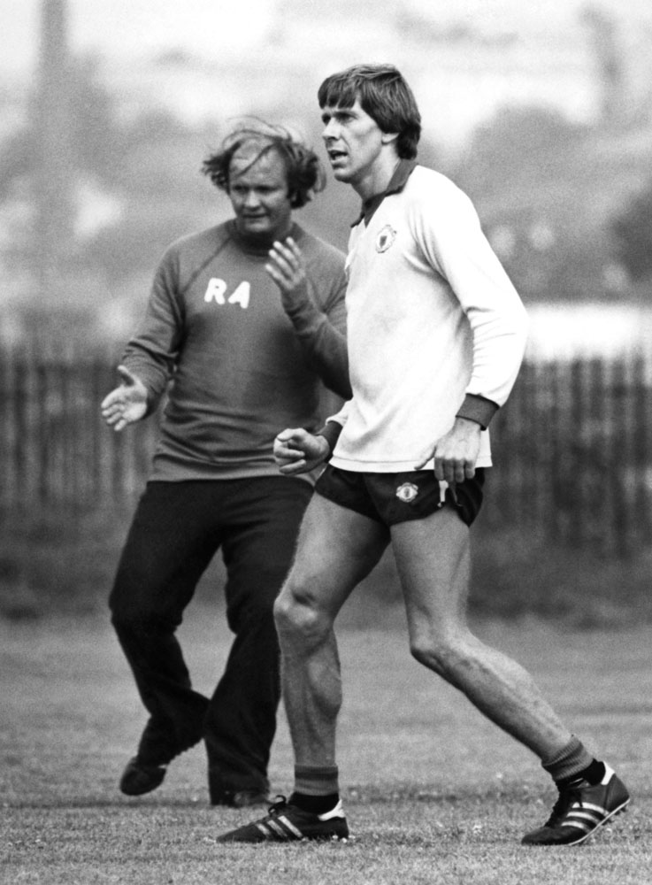 New signing Arnold Muhren trains with United manager Ron Atkinson, August 1982