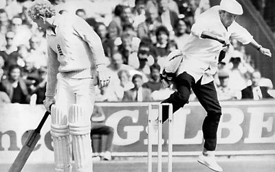 Bits & Pieces – 'Dickie' Bird avoids rogue ball at Old Trafford…