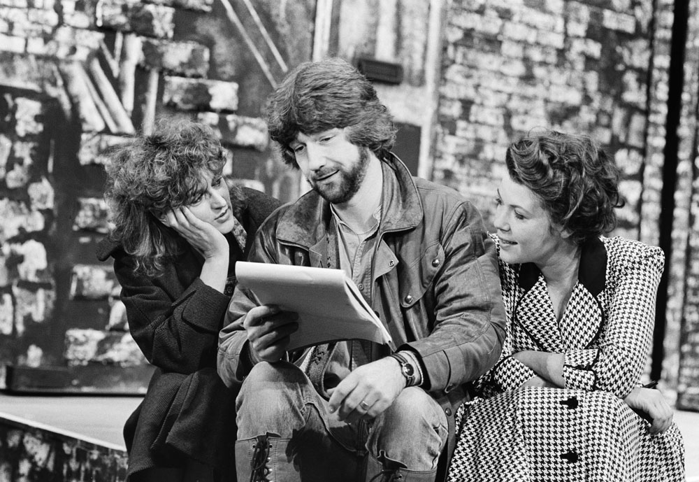 Barbara Dickson, left, and Wendy Murray discuss the musical Blood Brothers on stage with writer Willy Russell, January 1983