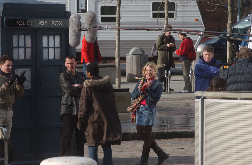 Christopher Eccleston, centre, filming Doctor Who on location with Billie Piper (Rose Tyler), September 2005