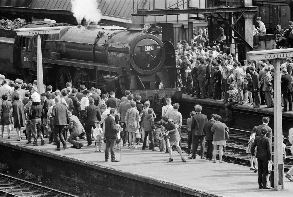 Hundreds of people were at Carlisle to see 1T57 arrive 33 minutes late from Manchester Victoria.