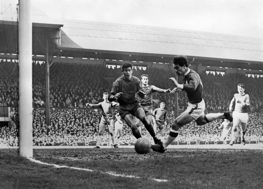 Phil Chisnall in action in Liverpool's 4-0 defeat by Chelsea at Stamford Bridge, April 1965