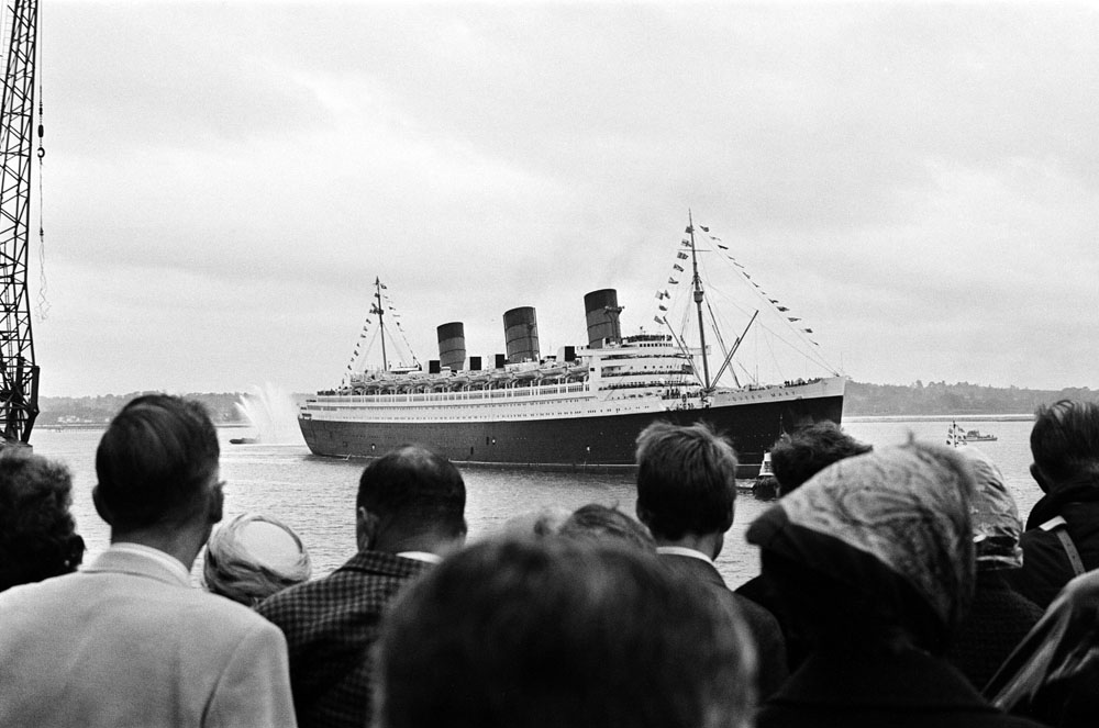 Crowds gather to witness the Queen Mary set off on her final Atlantic crossing, September 1967