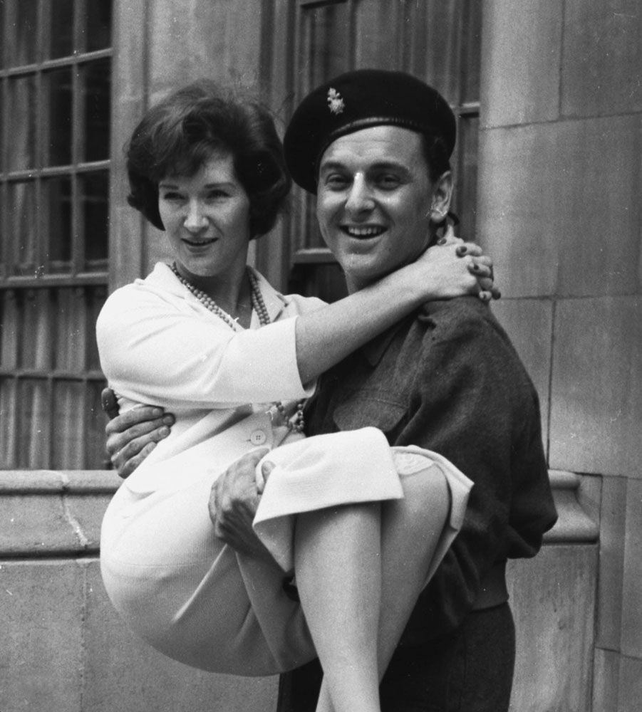 Bob Monkhouse and his wife Liz take a break from filming Carry On Sergeant, May 1958