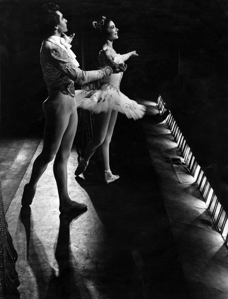 Margot Fonteyn takes a bow on her final visit to the Royal Court Theatre, February 1970