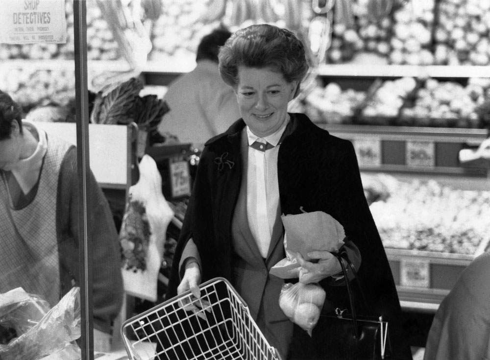 Jean Alexander, minus Hilda's famous curlers, shopping near her Southport home, December 1987