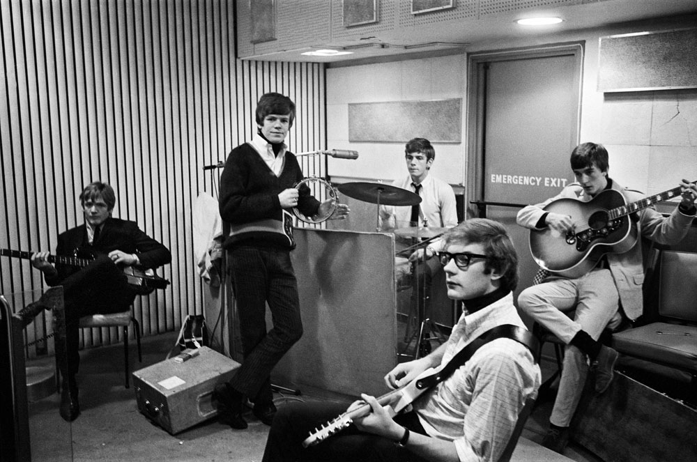 Peter Noone and Herman's Hermits relax in the recording studios, December 1965