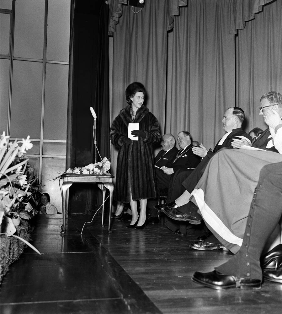 Princess Margaret makes a speech at Manchester Town Hall, March 1962