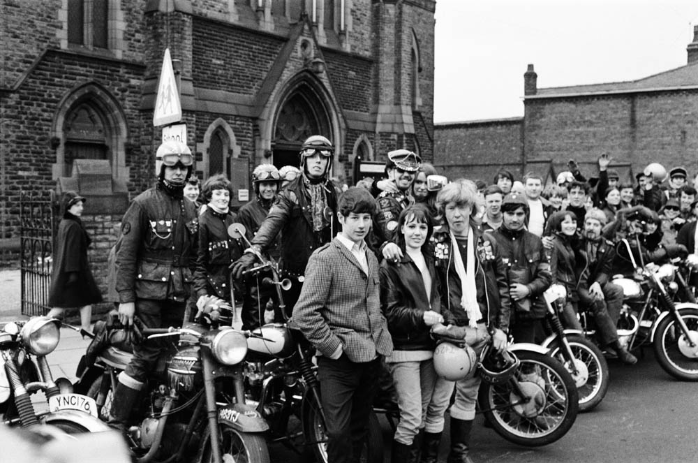Hell's Angels turn up at a Wigan Church    - iNostalgia