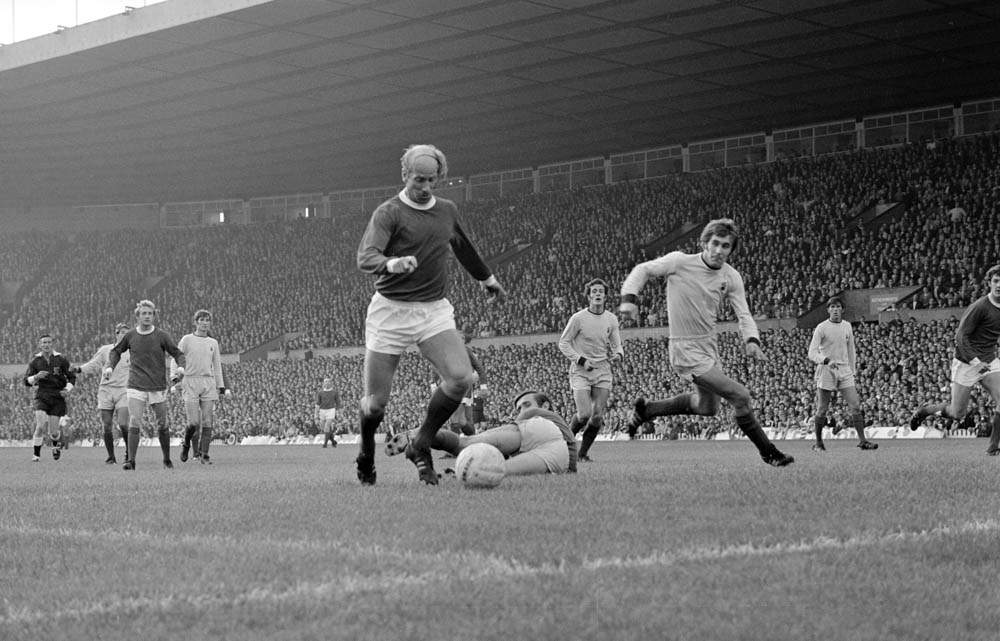 Bobby Charlton sprints into the box in a 2-0 win over Coventry City, September 1970
