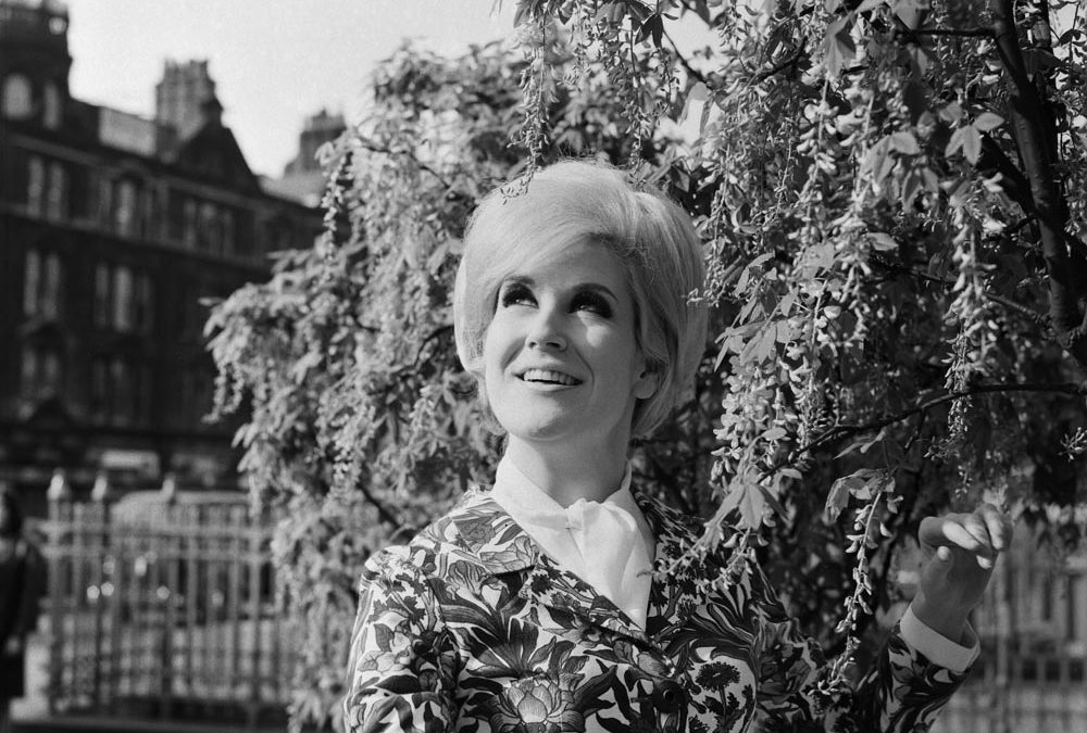 Dusty Springfield takes a walk round Manchester