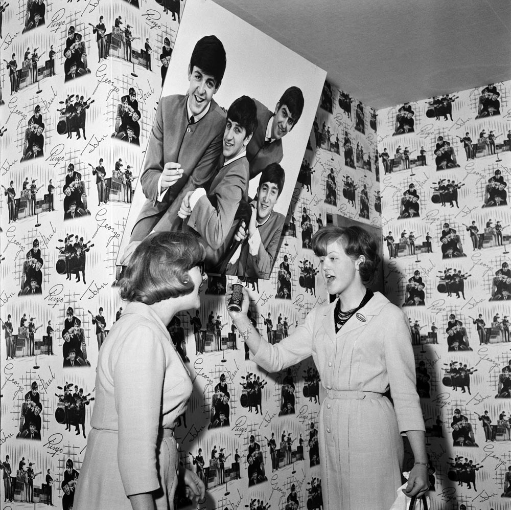 Perfect for every bedroom - Beatles wallpaper, March 1964