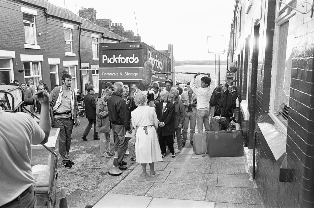 Filming the BBC TV sitcom Bread in Elswick Street, Dingle, July 1987