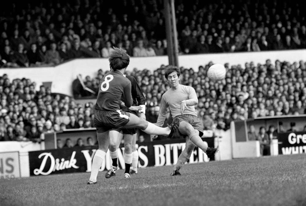 Howard Kendall is closed down by Chelsea's Alan Hudson, November 1969