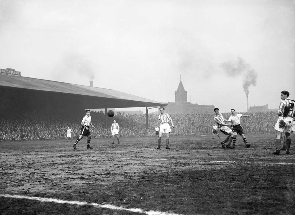 Action from the Bury versus Stoke FA Cup tie replay at Old Trafford, January 1955