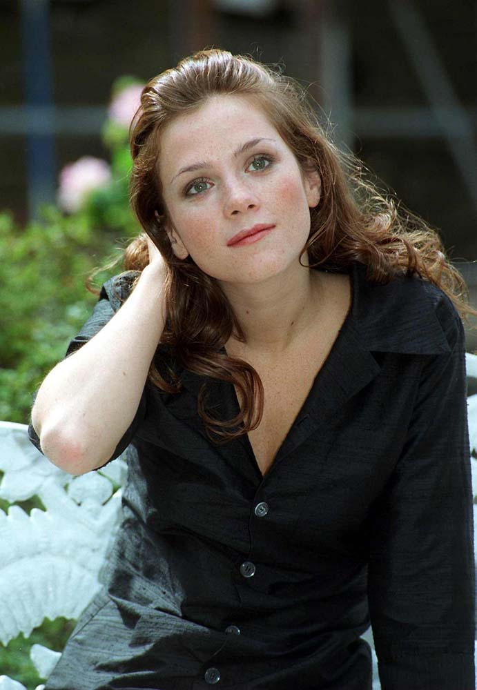Anna Friel, who famously portrayed Beth Jordache on Brookside, August 1996