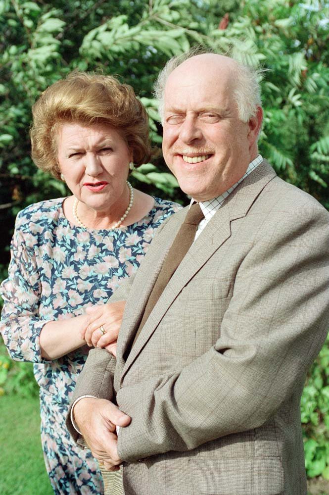Patricia Routledge as Hyacinth Bucket with on-screen husband Richard (Clive Swift), June 1992