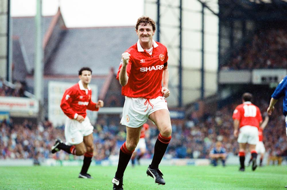 Steve Bruce Celebrates Goal at Goodison Park