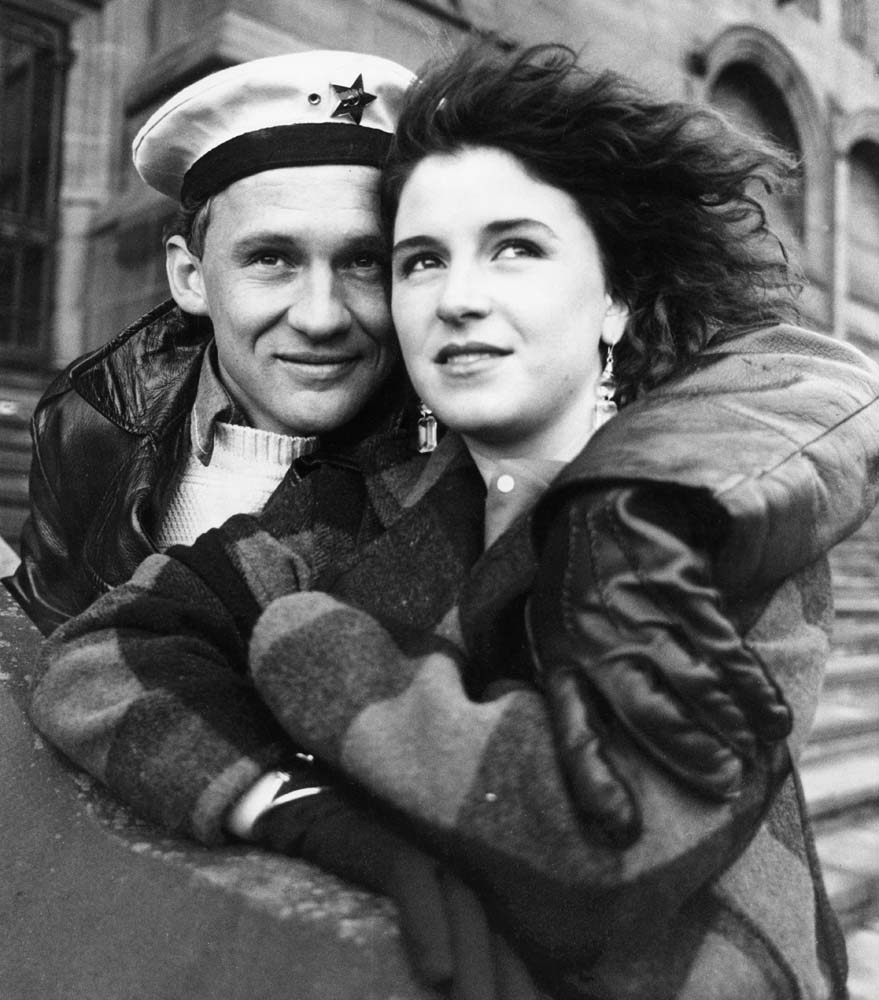 Peter Firth (Peter) and Alexandra Pigg (Elaine) in Letter to Brezhnev, October 1985