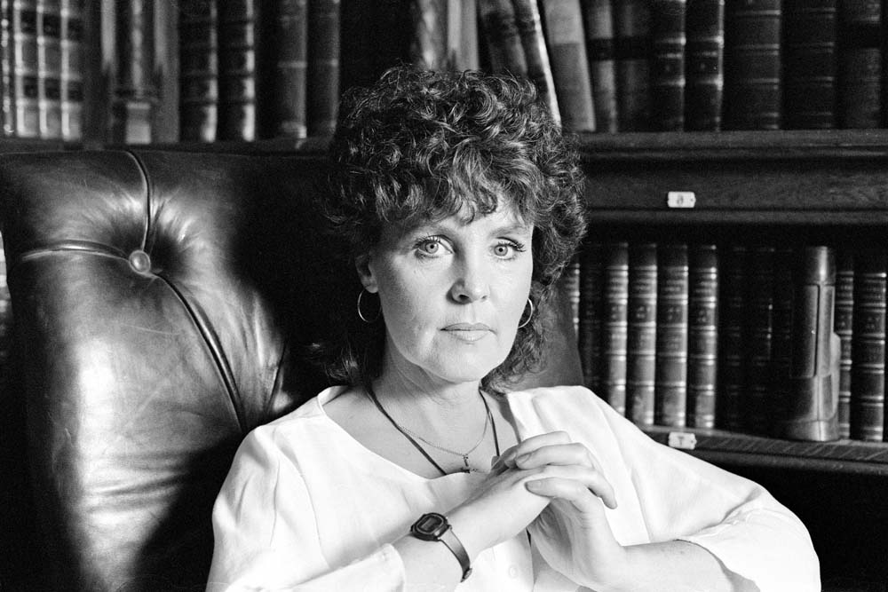 Pauline Collins played Shirley Valentine on stage and in the 1989 movie