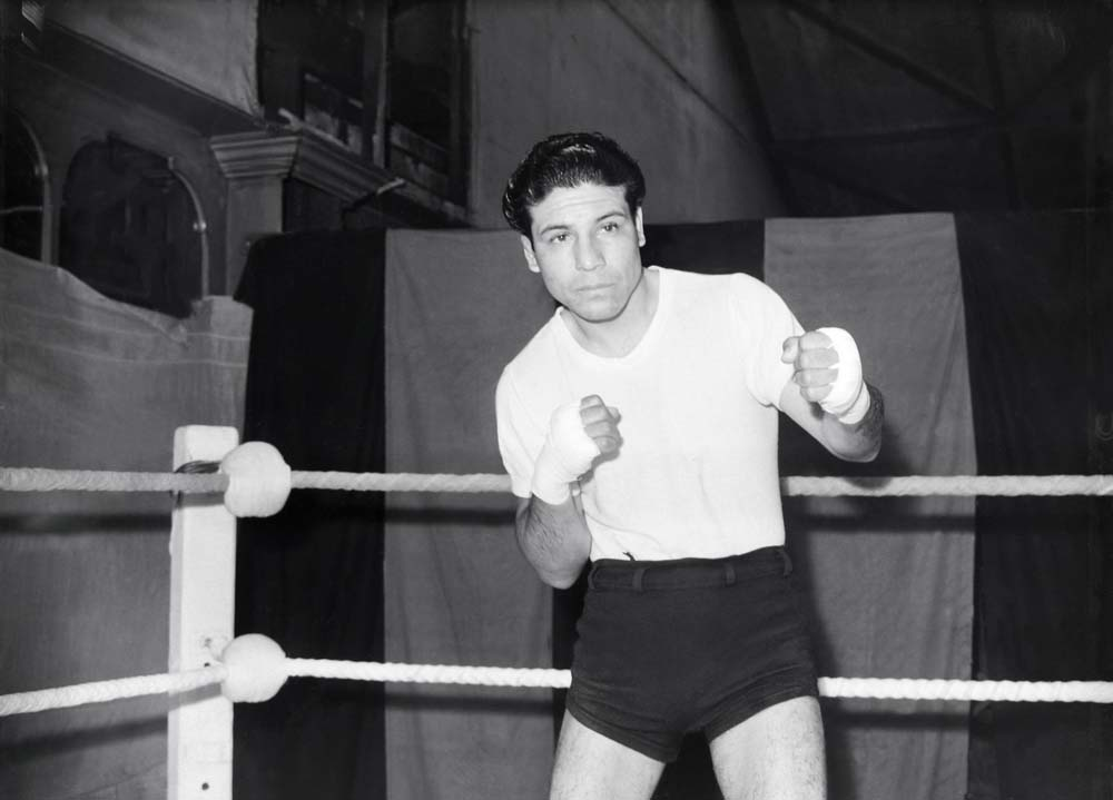 Mexican bantamweight Manuel Ortiz training at Belle Vue, January 1949