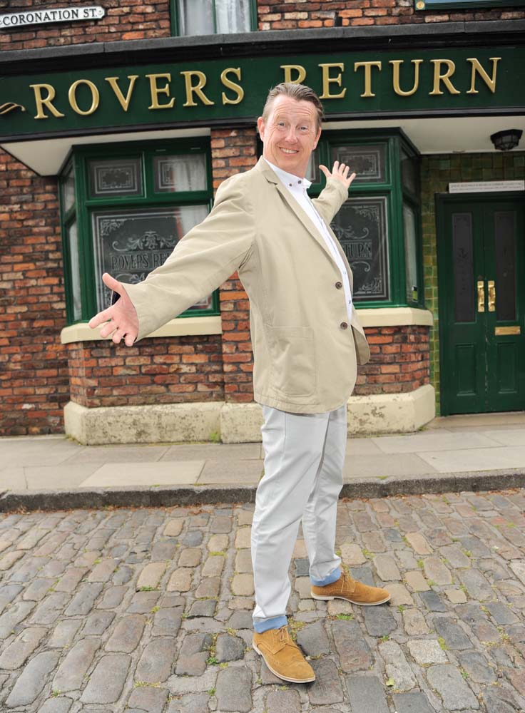 Kevin Kennedy returns to Coronation Street set, July 2014
