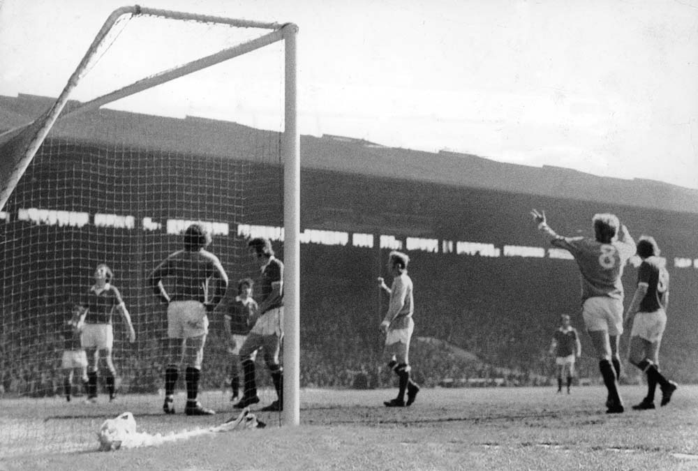 Denis Law's famous back-heeled goal sinks former club Manchester United, April 1974