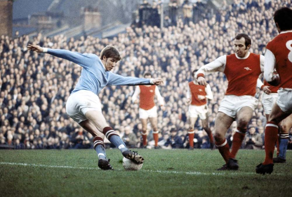 Manchester City's Colin Bell taunts Arsenal defence