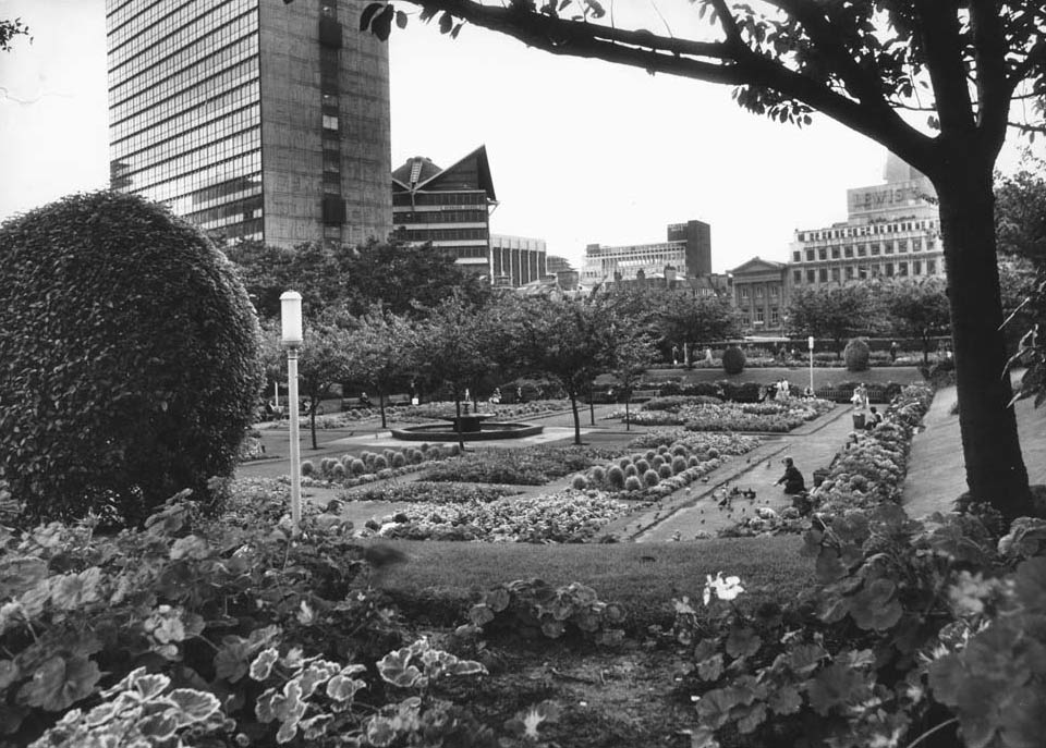 Then & Now : Piccadilly Gardens