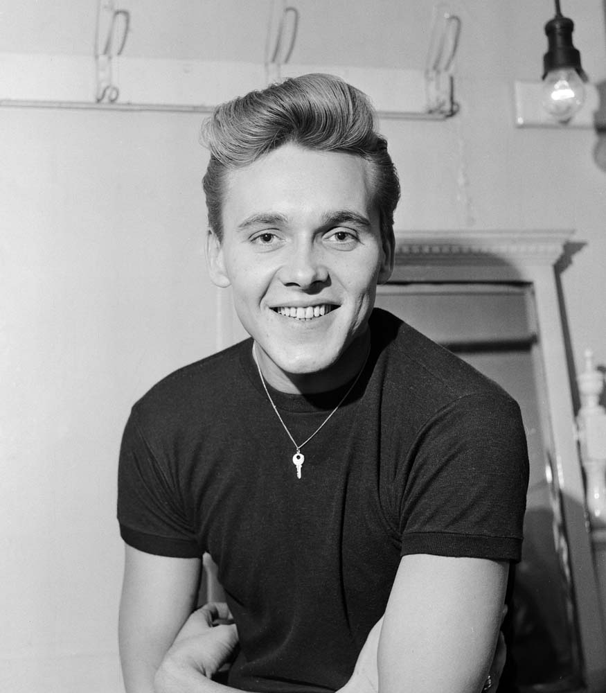 Billy Fury backstage during the Idols on Parade tour, November 1960