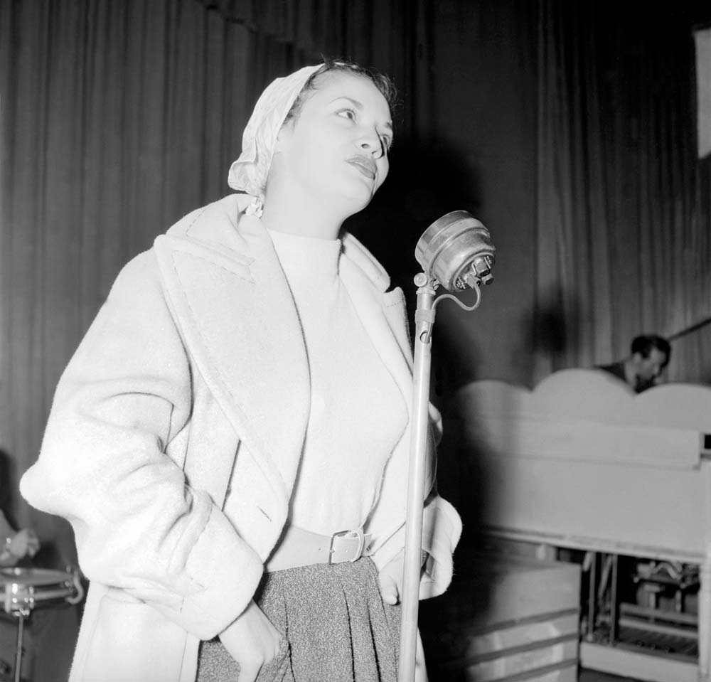 Liverpool singer Lita Roza on stage, January 1957
