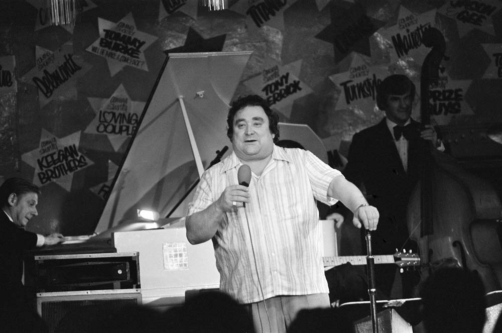 The irrepressible Bernard Manning on stage at the Embassy Club, September 1978