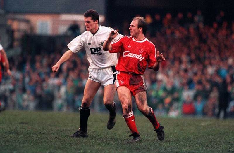 Steve McMahon in action for the Reds against Swansea, January 1990