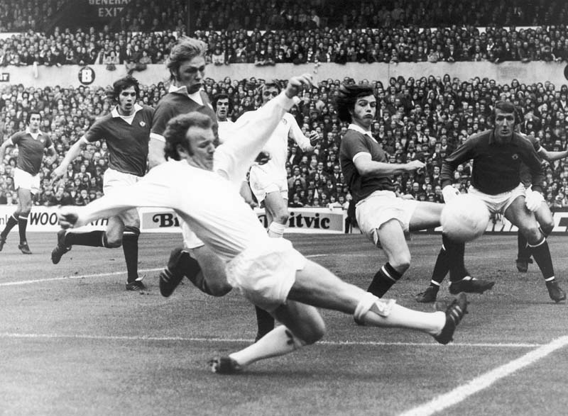 Billy Bremner shoots for goal in the 0-0 league draw with United at Elland Road, September 1973