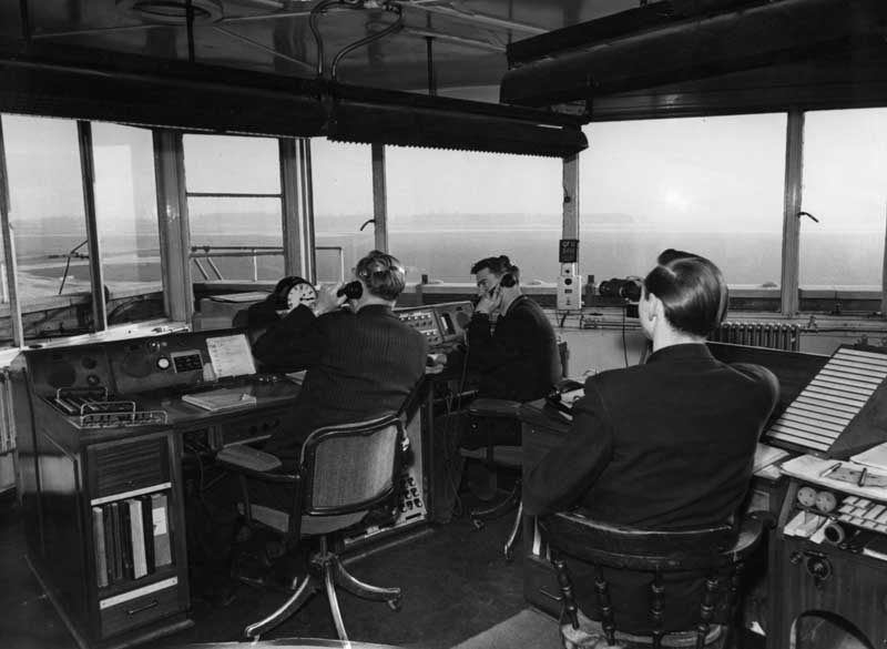 Air traffic control of the 1950s at Manchester's Ringway Airport