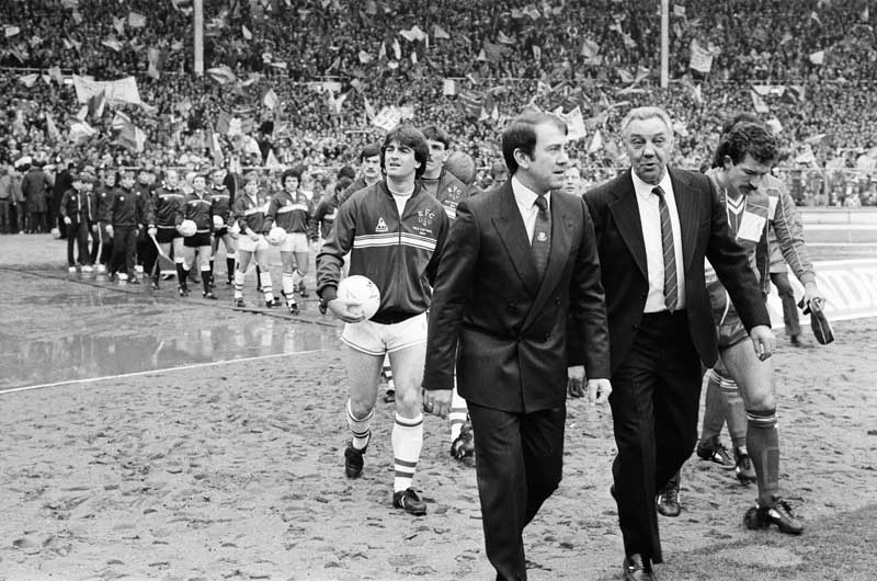 Managers Howard Kendall and Joe Fagan lead out Everton and Liverpool at Wembley, March 1984