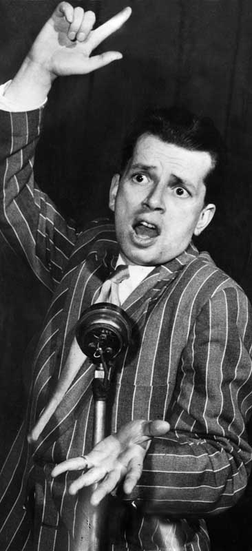 Liverpool jazz musician George Melly on stage, January 1969