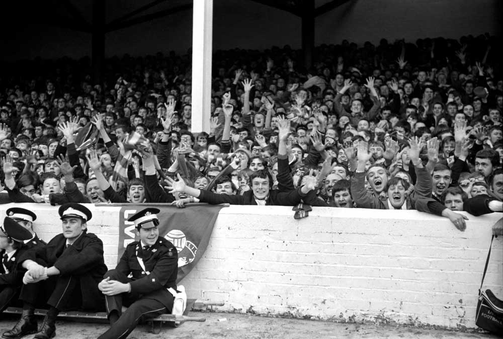 Reds' fans in full voice at Goodison Park, December 1969