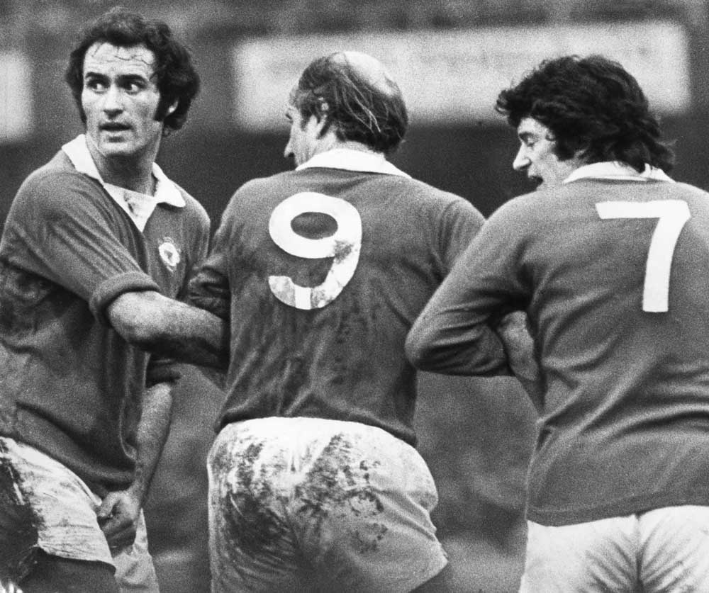 Bobby Charlton, playing for Manchester United in what would be his last season for the club.  13th January 1973.